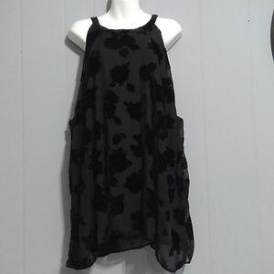 TORRID  velvet dark floral print Tunic Size 5X